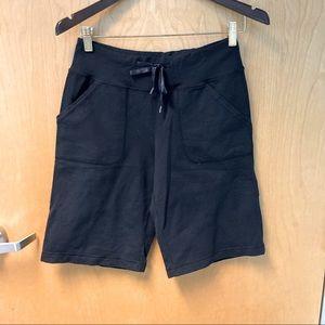 LULULEMON Shorts w/ Drawstring & Pockets
